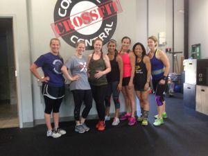 39 weeks with her CrossFit crew